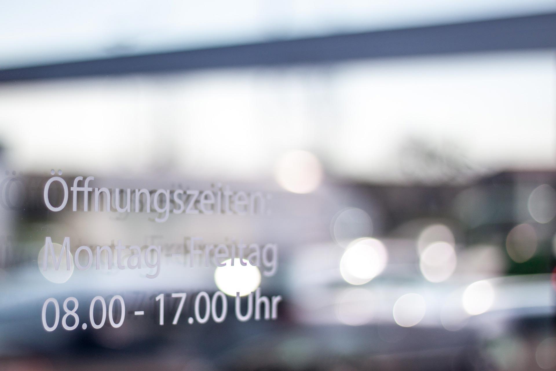Fahrzeugbeschriftung, Schilder, Leuchtwerbung